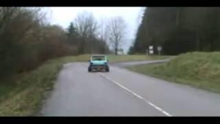 voiture sans permis avec un moteur de R1