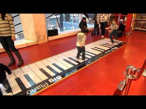 Big Piano - Toys R US