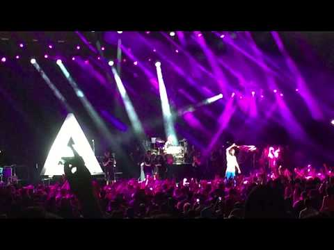 Thirty Seconds To Mars - Walk On Water (New Song) + Do Or Die live Wantagh 2017