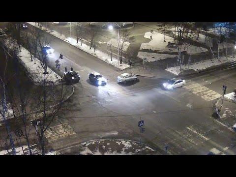 ДТП Уссурийск 21 февраля перекресток ул. Ленина ул. Суханова Toyota Platz смотреть в хорошем качестве
