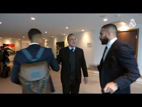 Florentino Pérez Greets The Players At The Team Hotel