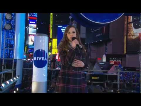 Nivea - Kiss Stage New Year's Eve,  Times Square