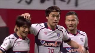 FC東京が右からのクロスを頭で落とし、フリーの東 慶悟(FC東京)が押し...