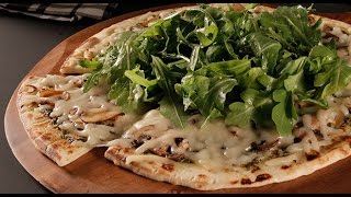 Mushroom And Arugula Salad Pizza