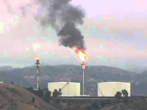 News: Raw video of Refinery Flare