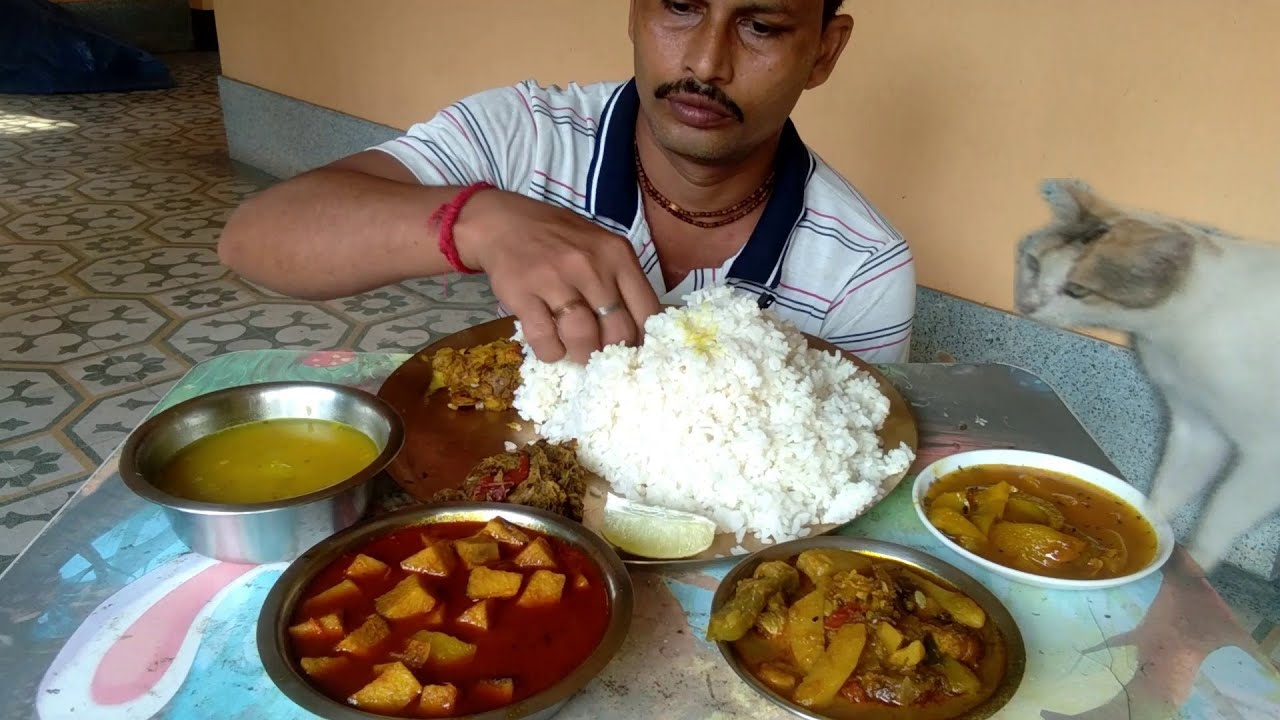 Lunch with Sweet Mini - Dry Fish Curry - Elephant Apple Chutney - Taro Root with Potato