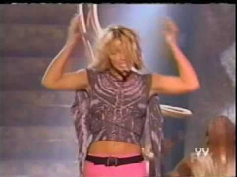 britney spears -Oops! i did it again LIVE!