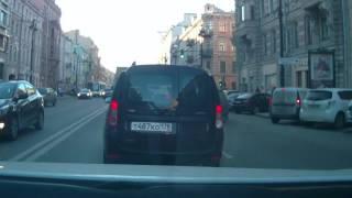 Притер автомобиль при парковке 24 03 17 СПб
