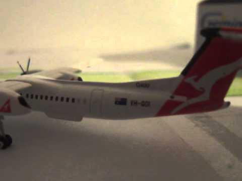 Unboxing Qantaslink Dash 8 Q400