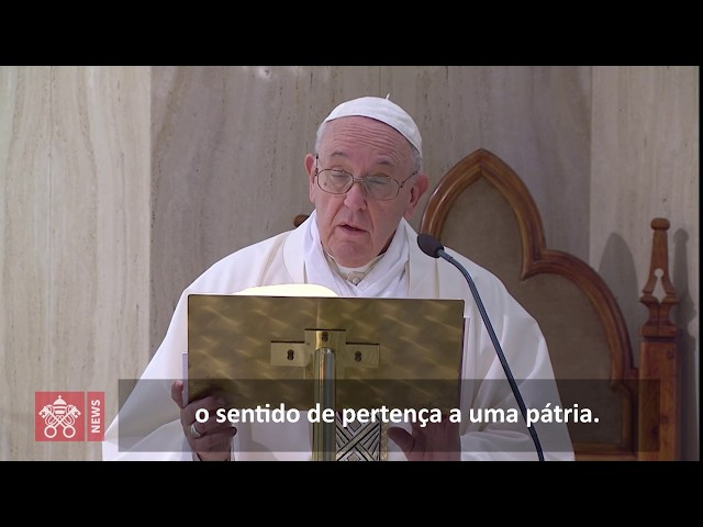 Papa reza pelos idosos que têm medo por causa da pandemia