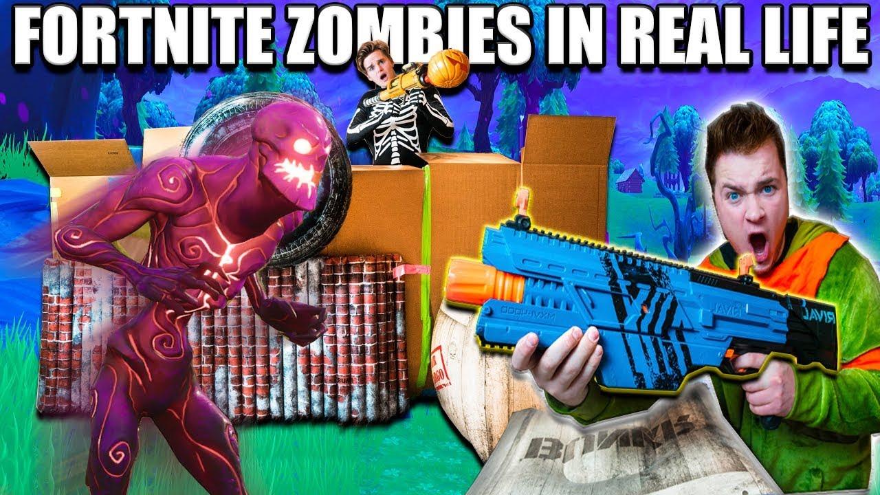 FORTNITE BOX FORT BATTLE IRL!! 📦⛏ Fortnite Zombies Base ...