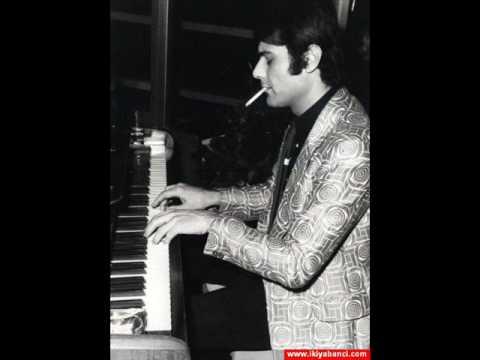 Ferdi Özbegen-Bir Şarkımız Vardı Orjinal İlk Version