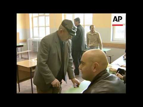 WRAP Serbs in Kosovo vote in parliamentary elections; PM comments; ADDS Mitrovica