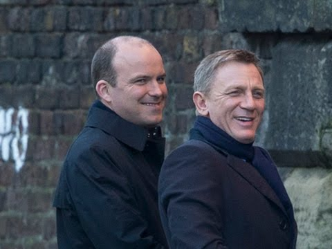 Daniel Craig Caught on Camera Filming 'Bond'