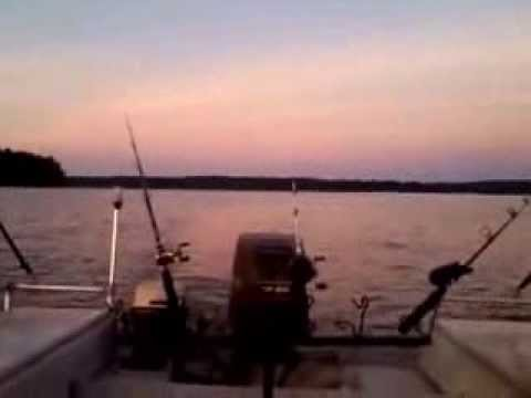 Trolling for crappie in mississippi on enid lake for for Enid lake fishing report