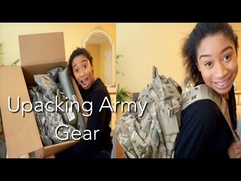 UNBOXING ALL THE GEAR THE ARMY GAVE TO ME | Mariah Perry