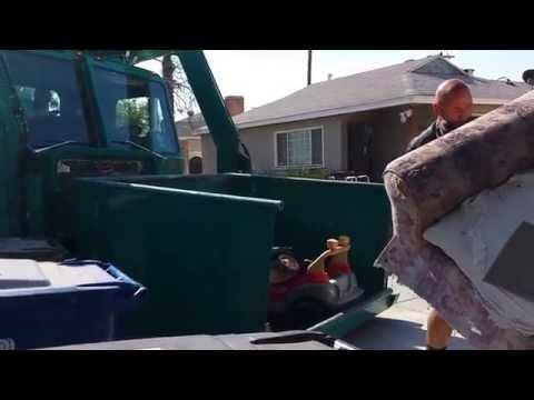 Los Angeles Bureau of Sanitation's Eddie Flores in 36011!