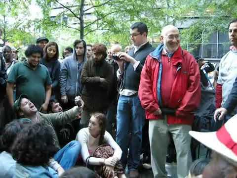 Joseph Stiglitz respons to a question about Keynesian Economics. #occupywallstreet