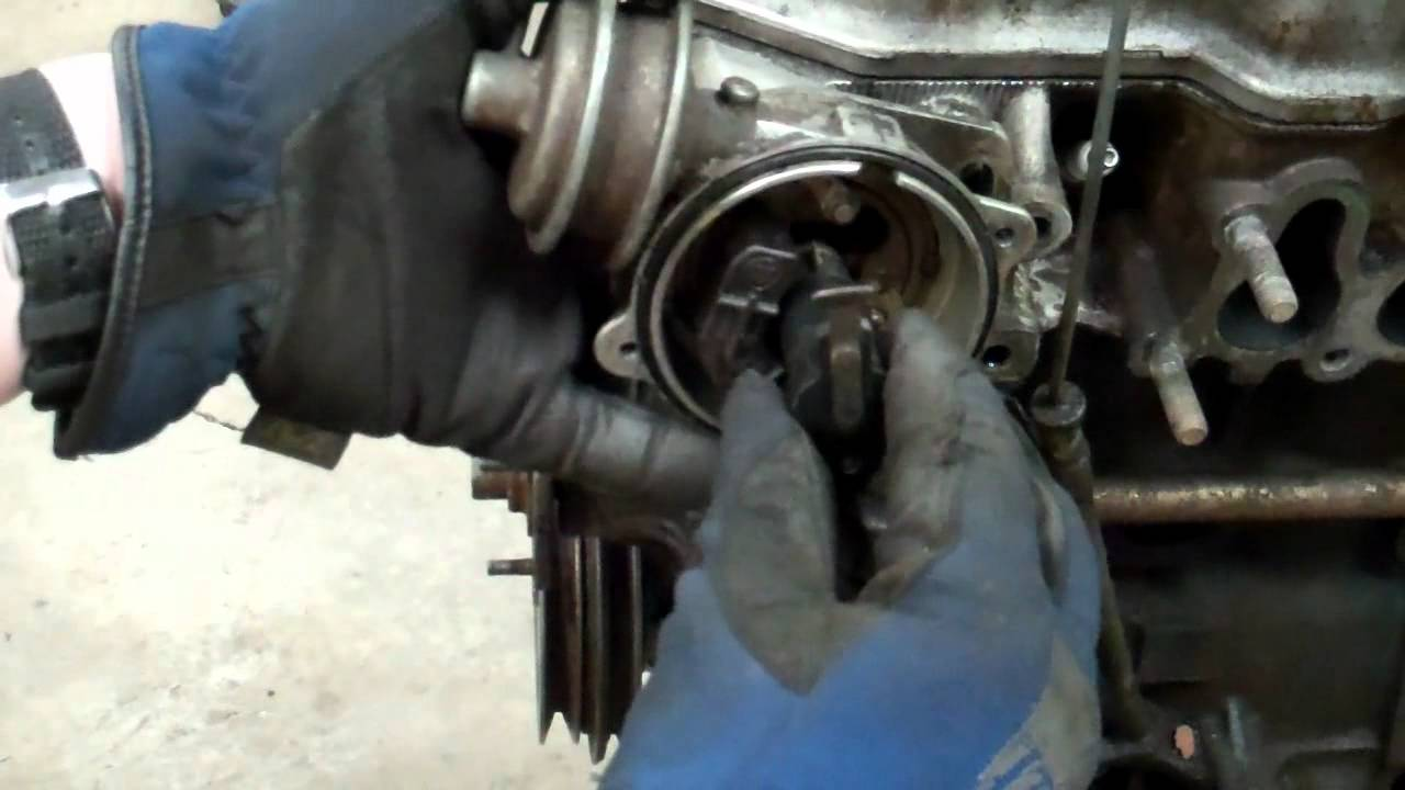 small resolution of how to remove and install a toyota 22r distributor 20r 22re see updated video details below youtube