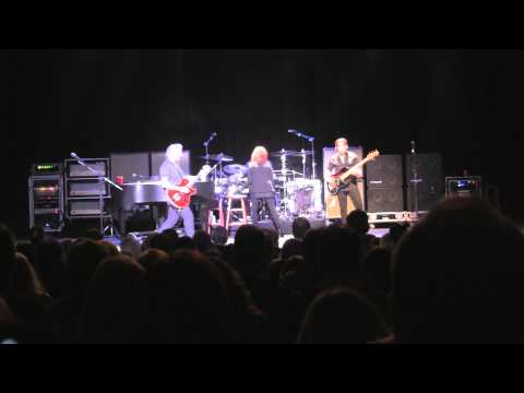 Pat Benatar - HeartBreaker / Ring Of Fire - Bergen Pac Center, Englewood , N.J. 11/13/2013