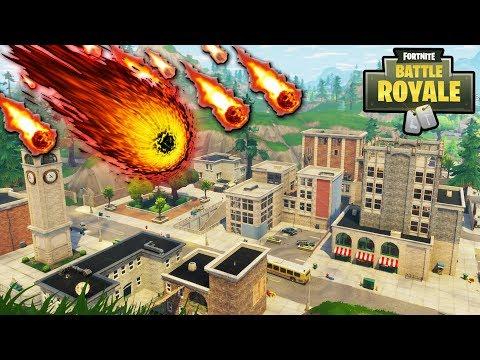 "NEW ""Tilted Towers"" METEORS HITTING RIGHT NOW in FORTNITE! SEASON 4 METEOR STRIKE HYPE! (Fortnite) thumbnail"