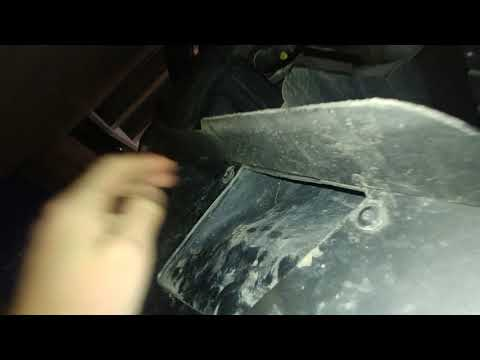 Removing headlights from 2013 Volkswagen Touareg