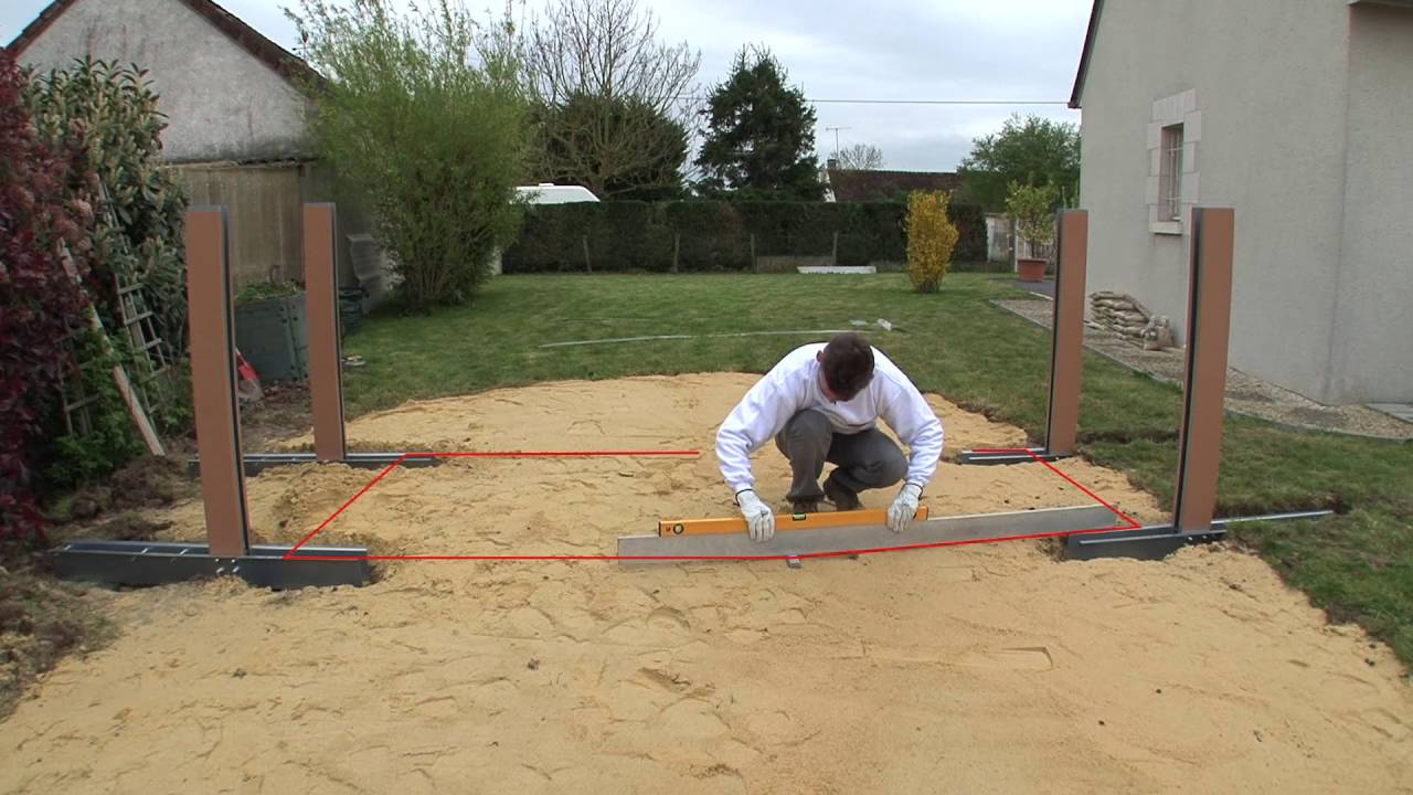 Installer une piscine hors sol montage des jambes de for Piscine hors sol sans jambe de force