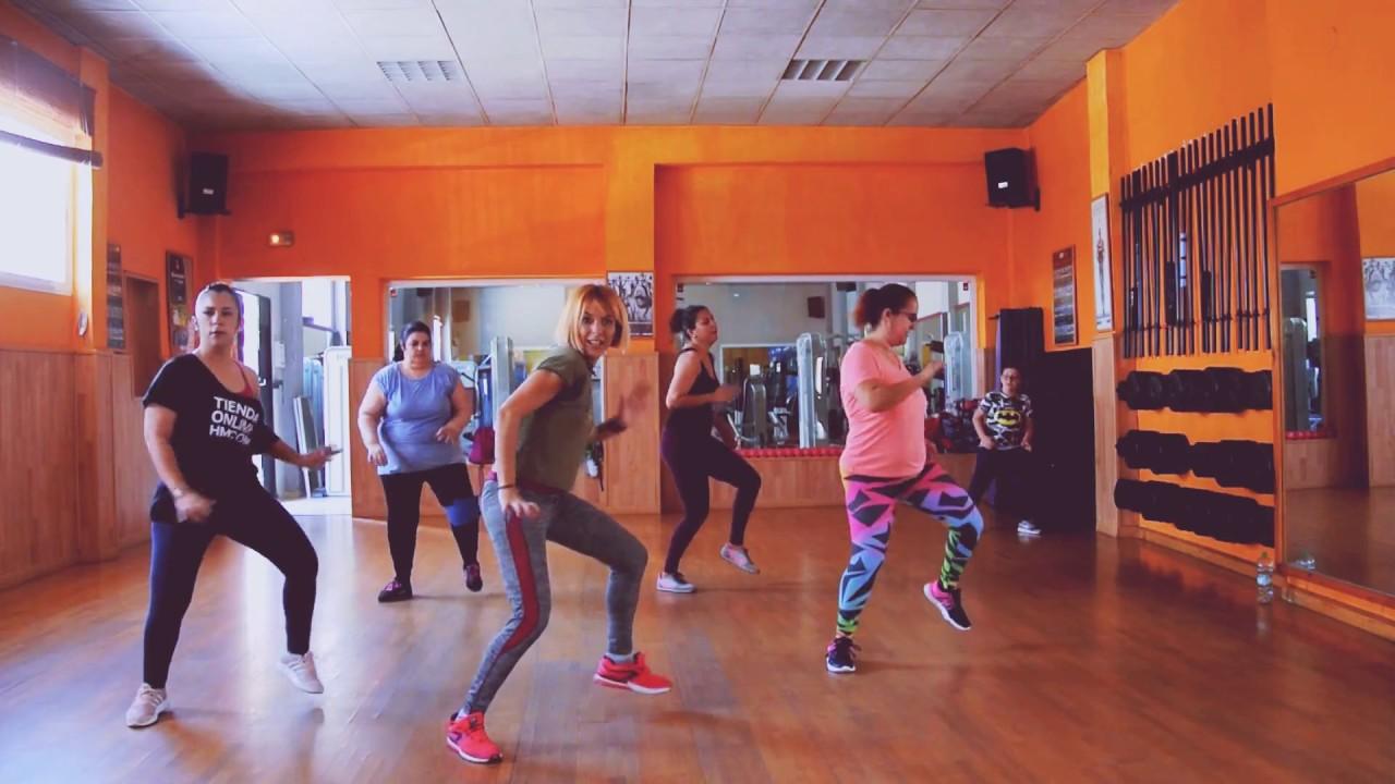 SÚBEME LA RADIO- coreografía de ZUMBA por PIEDAD DE LA CRUZ