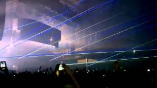 Swedish House Mafia - In My Mind (Axwell Mix) [LIVE @ FESTHALLE FRANKFURT] [HD]