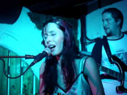 Nerina Pallot - Blood Is Blood (Live at The Borderline 2005)