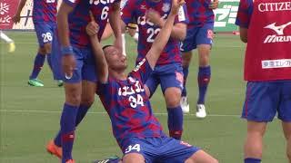 変化を付けたCKからゴール前に供給されたボールを今津 佑太(甲府)が頭...