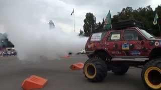 Джип Бомбу Испытываем на дымность и шумность 4х4 прикол тюнинг jeep(Джип Бомбу Испытываем на дымность и шумность 4х4 прикол тюнинг jeep На моем канале Вы сможете посмотреть много..., 2014-08-24T17:40:51.000Z)