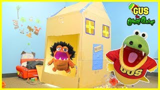 BOX FORT CHALLENGE! Family Fun Kids Pretend Playtime builds GIANT BOX FORT JAIL !! thumbnail