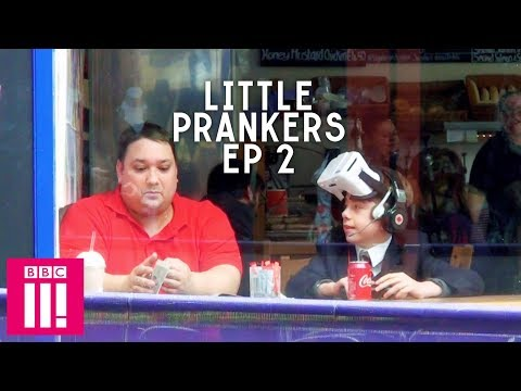 Kid Tests VR In A Cafe: Little Prankers thumbnail