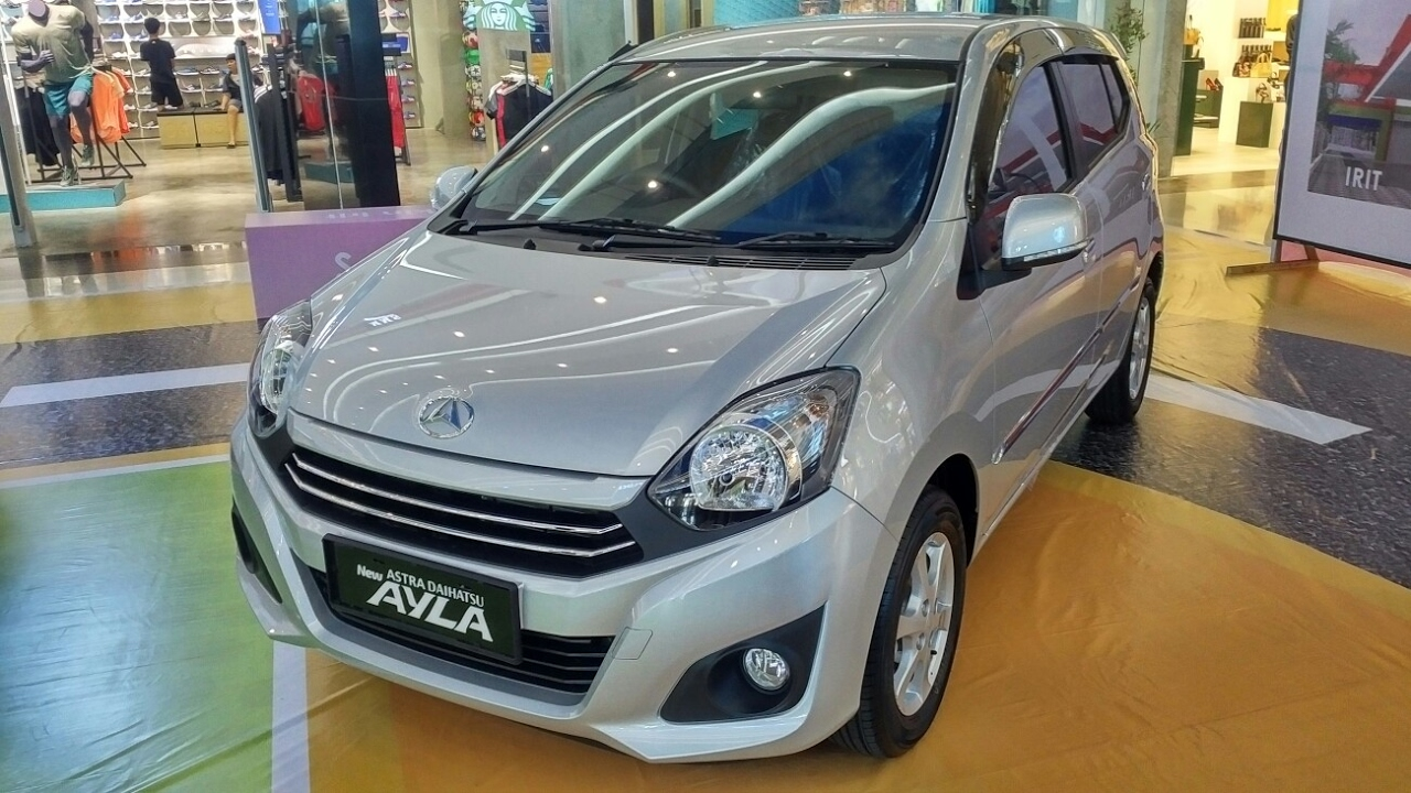 In Depth Tour Daihatsu Ayla 1.0 X A/T Facelift 2017