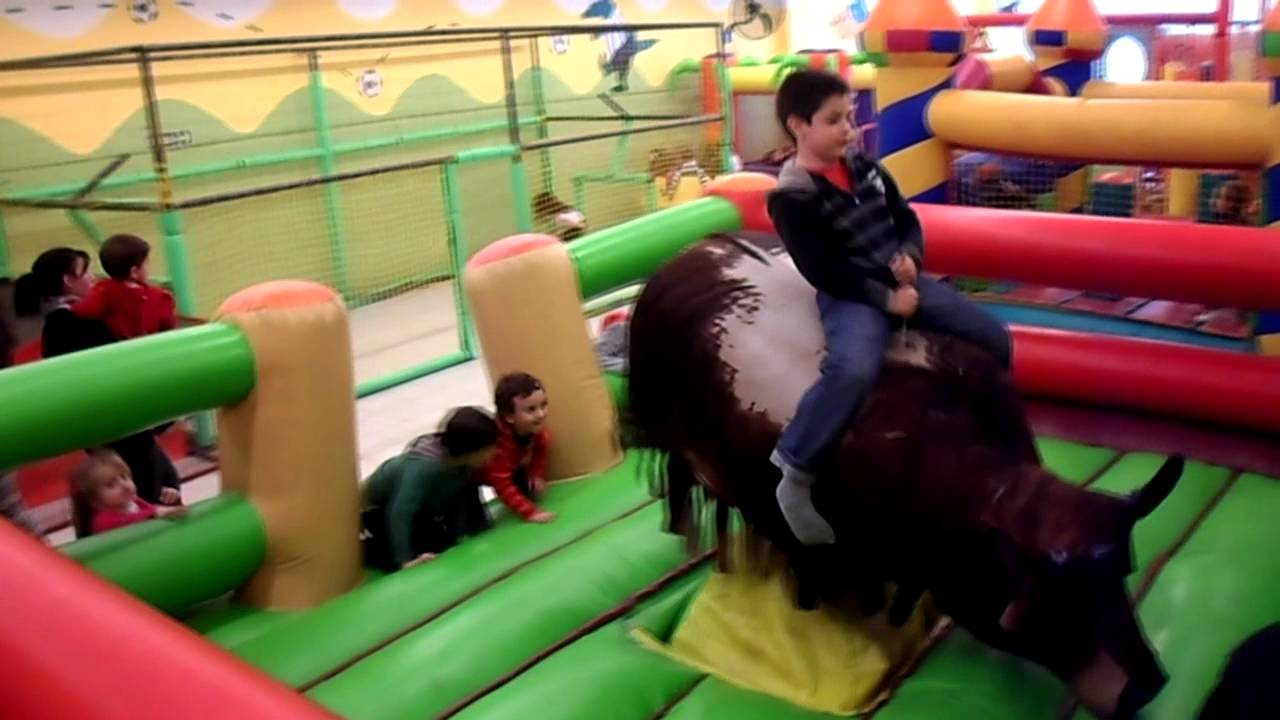 Coco zize salon de fiestas infantiles en cordoba ruta for Abrakadabra salon de fiestas