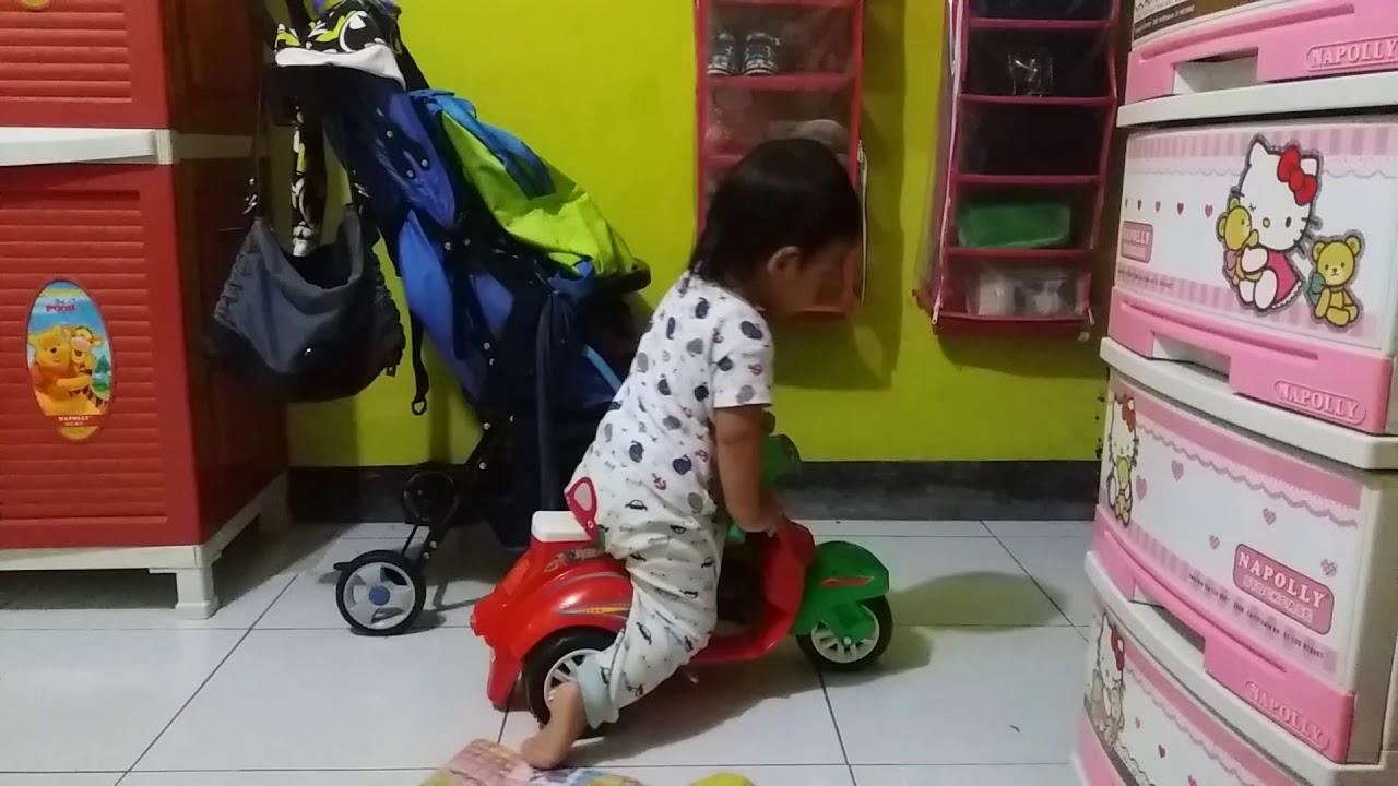 Vespa Mainan Lucu & kuat - YouTube