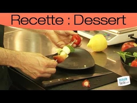 Comment faire des brochettes de fruits frais youtube - Presentation de brochette de fruits ...