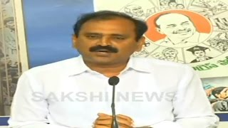 ysrcp bans abn andhra jyothi from their meetings    sakshi tv