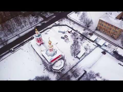 Над красной церковью на Мавике. Вологда.