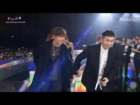 "[181201 MMA] 2018 MelOn Music Awards Hot Trend Award - Loco (로꼬), Hwasa (마마무 화사) ""Don't"" (주지마)"