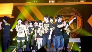 滚石30 新加坡演唱会 - 五月天于众星合唱 - 快乐天堂