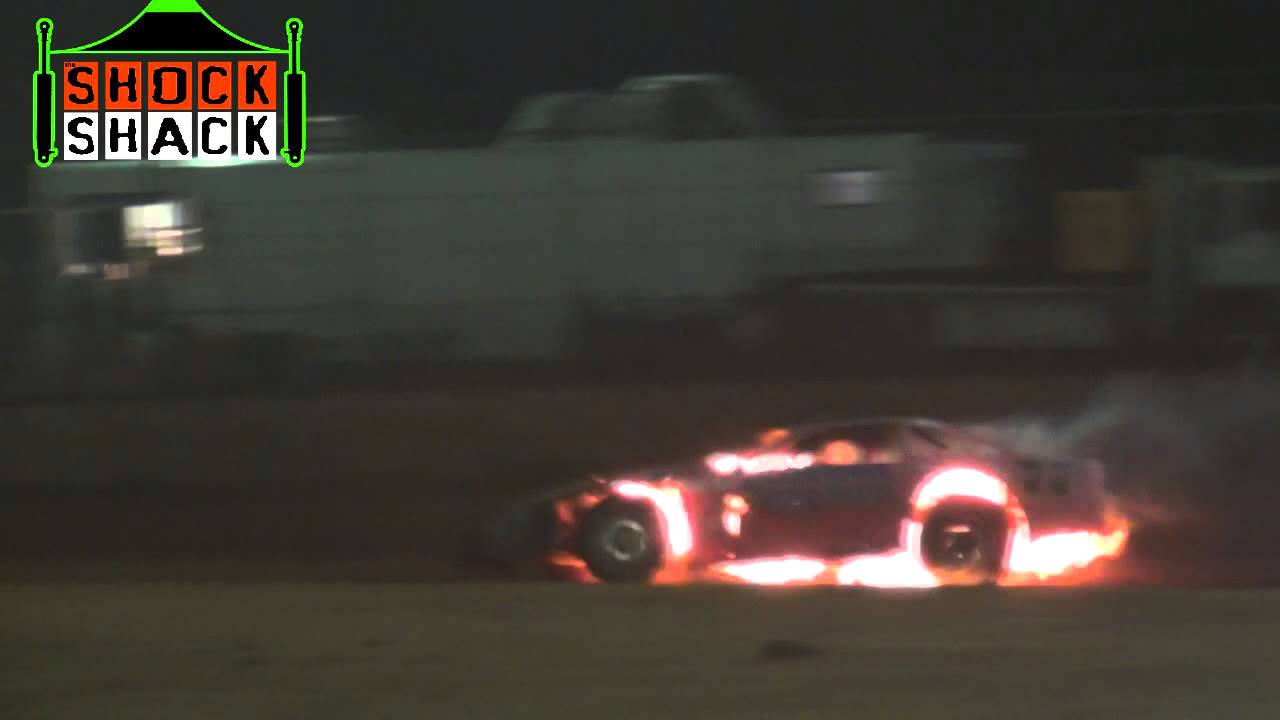 Super Sedans Bill Miller Massive Fire Kingaroy Speedway Youtube