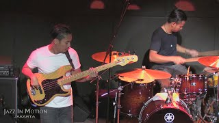 Gugun Blues Shelter - Vixen Eyes ~ Talk Too Much ~Trampled Rose @ Motion Blue Jakarta 28/5/16 [HD]