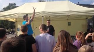 Karoona - Kalėdinė dainelė Live (lyrics)(ATGAL Į MIESTĄ 2014-08-30)