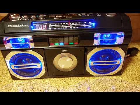 Studebaker Master Blaster CD-RW/CD-R/CD-DA Old School Boombox AM/FM Radio SB2149B