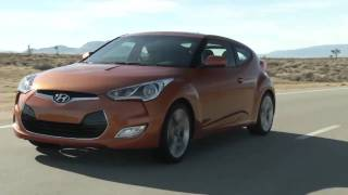 ► 2012 Hyundai Veloster(Hyundai introduced its cutting-edge Veloster three-door coupe in a world debut at the North American International Auto Show. The 2012 Veloster delivers ..., 2011-01-16T18:00:06.000Z)