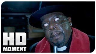 Самоубийство священника - Дом с паранормальными явлениями 2 (2014) - Момент из фильма
