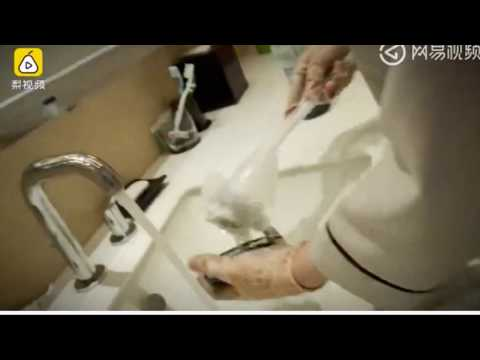 Chinese hotel cleaners caught using toilet brush to wash cups and basins