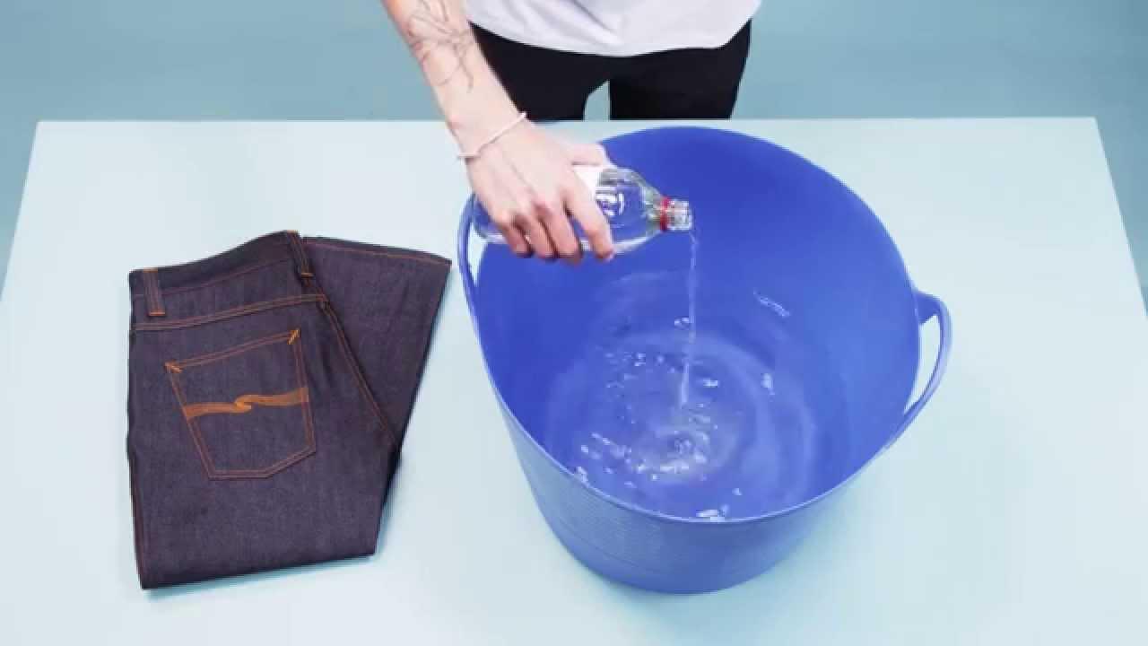 Begini Cara Mencuci Celana Jeans yang Benar Supaya Nggak Cepat Pudar